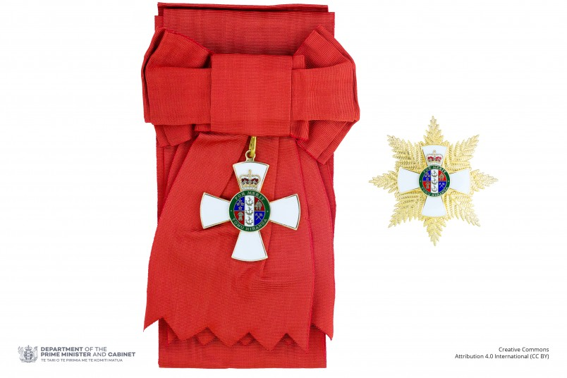 Insignia of a Knight or Dame Grand Companion of the New Zealand Order of Merit (badge on sash and breast star)