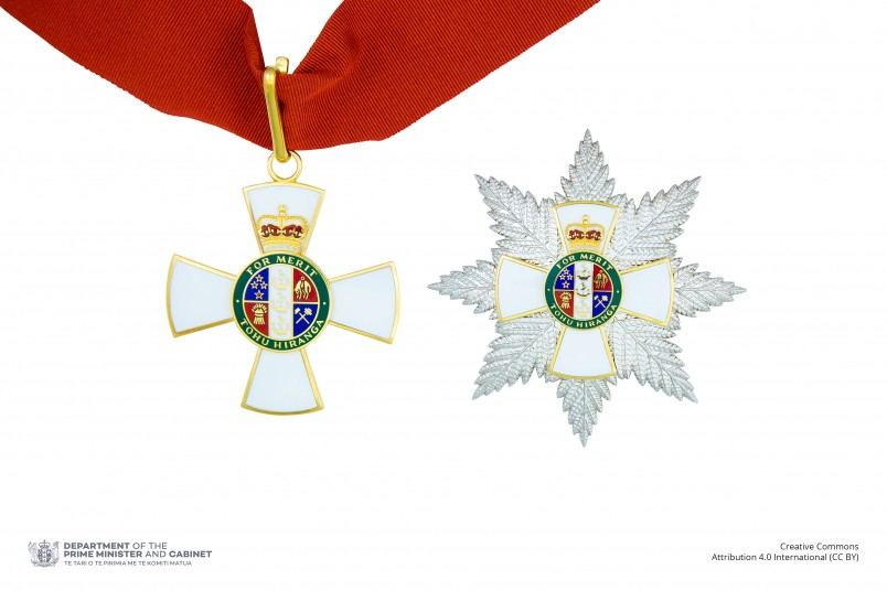 Insignia of a Knight Companion of the New Zealand Order of Merit (badge on neck ribbon and breast star)